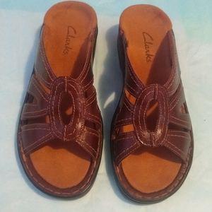 EUC Brown Clarks Sandals - Size 5